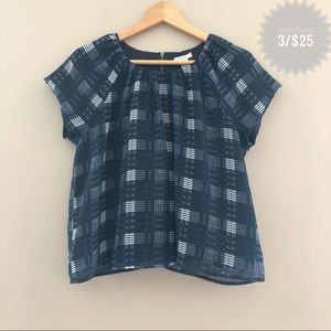 Forever 21 Tops - Juniors FOREVER 21 plaid top